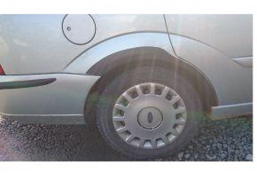 Protector plástico paso de rueda para FORD FOCUS I COMBI 1998-2004